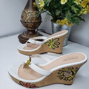 Coach Mattie Bumble Bee Flower Wedge sandel Sz. 10